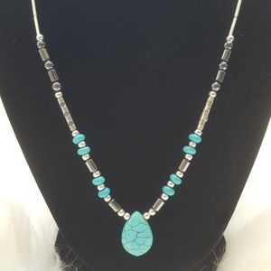 Jewelry - Women's Custom Turquoise Silver Beaded Necklace